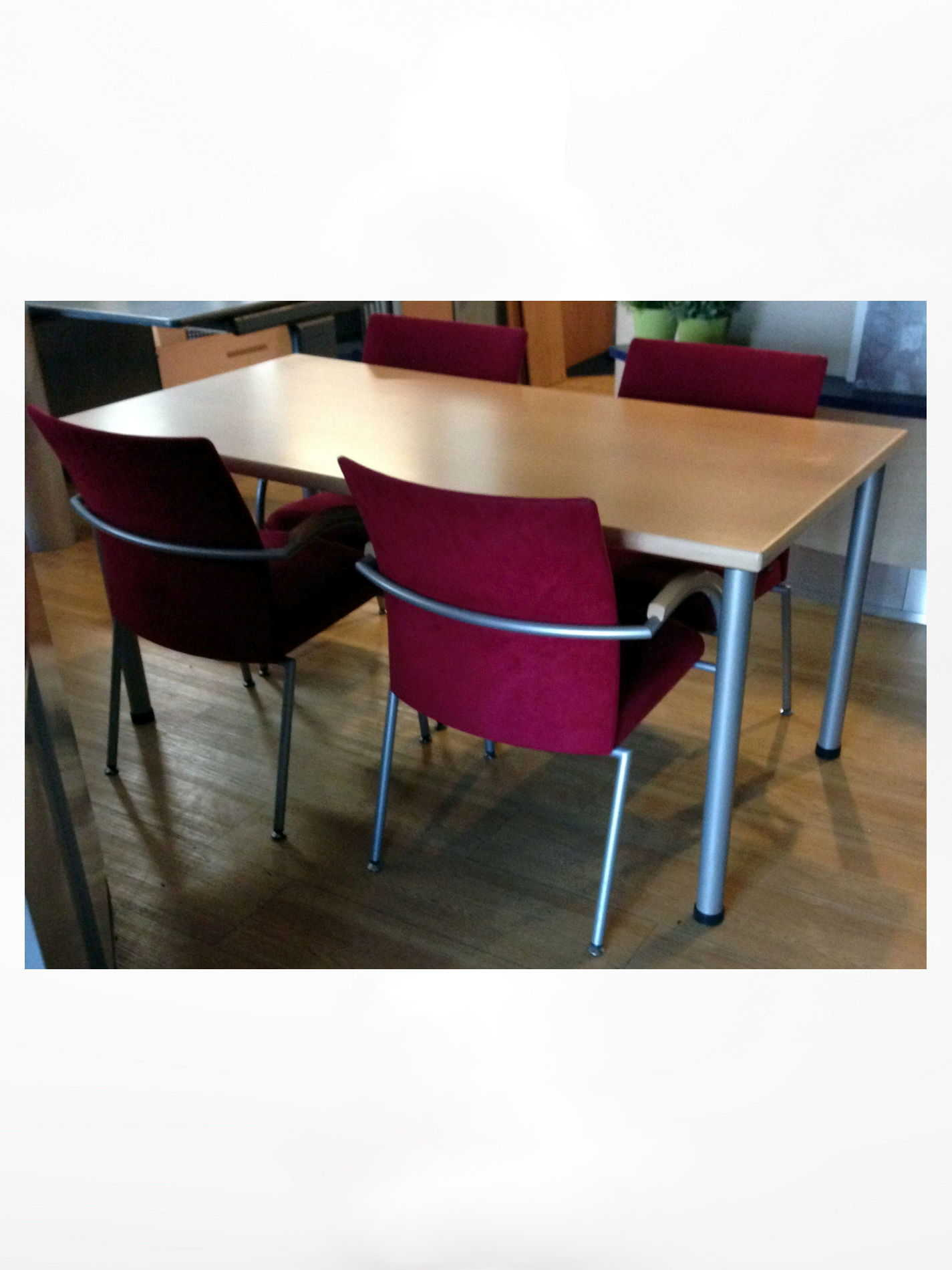 Vergaderset met 4 Design stoelen